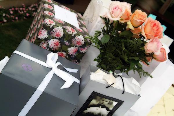 Варіанти подарунків на весілля молодятам