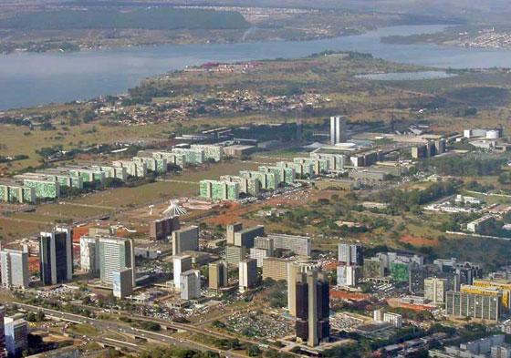 Бразиліа - найбільше за площею місто в Південній Америці