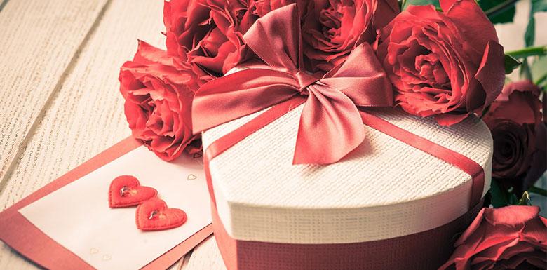 Що можна подарувати дівчині на День Народження