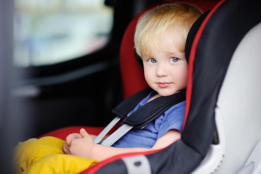 Діти в автомобілі: правила перевезення