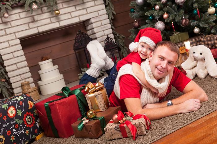 Що подарувати на Новий Рік татові? Кращі ідеї подарунку для батька