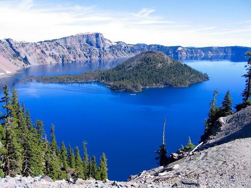 Топ 10 найбільших озер на планеті Земля