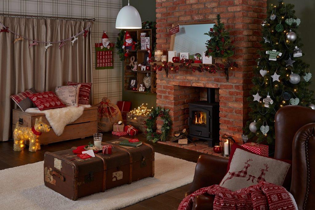 Як прикрасити кімнату в будинку або квартирі до Нового 2022 року?
