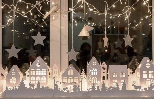 Прикрашання вікон на Новий Рік своїми руками